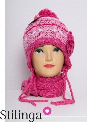 Fuksijų rožinės spalvos kepurė su gėle ir šalikas K55D127
