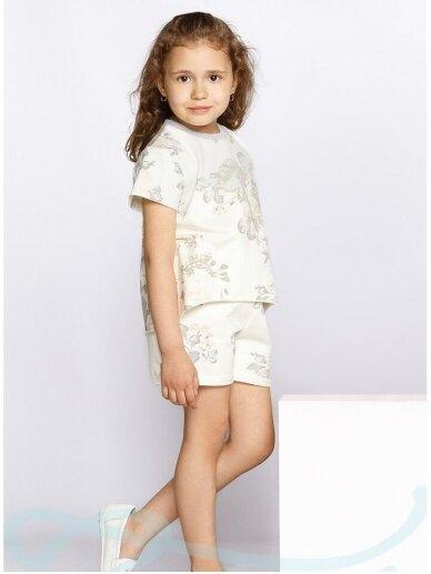 Gėlėtas kostiumėlis mergaitei: šortukai ir palaidinė 0949D180