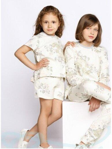 Gėlėtas kostiumėlis mergaitei: šortukai ir palaidinė 0949D180 2