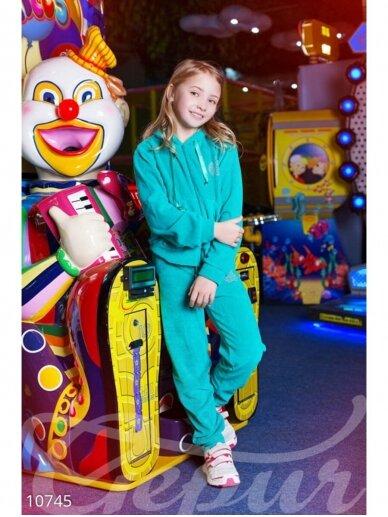 Turkio spalvos sportinis kostiumas su akmenukais 0945D179 2
